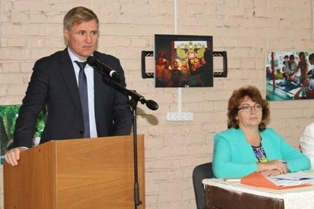 Сергей Луговской встретился с замещающими семьями