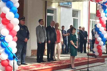 Депутаты Законодательной Думы Хабаровского края поздравили школьников с началом нового учебного года