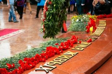 Возложением цветов в Хабаровске почтили память погибших во время Второй мировой войны
